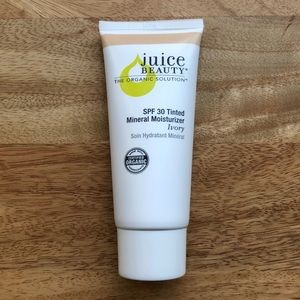 Juice Beauty Tinted Moisturizer SPF 30 in Ivory